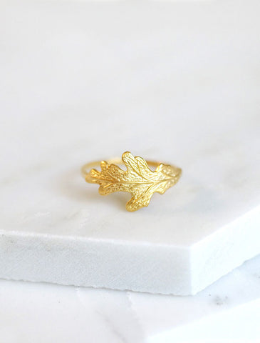 gold oak leaf ring