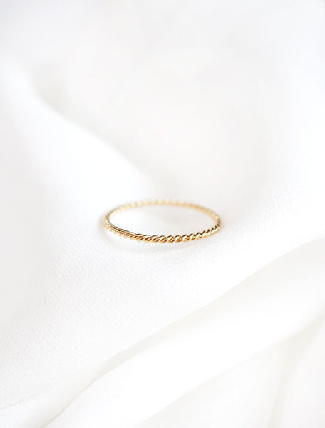 skinny gold twisted rope ring