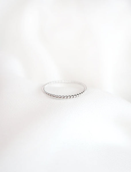 skinny silver twisted rope ring
