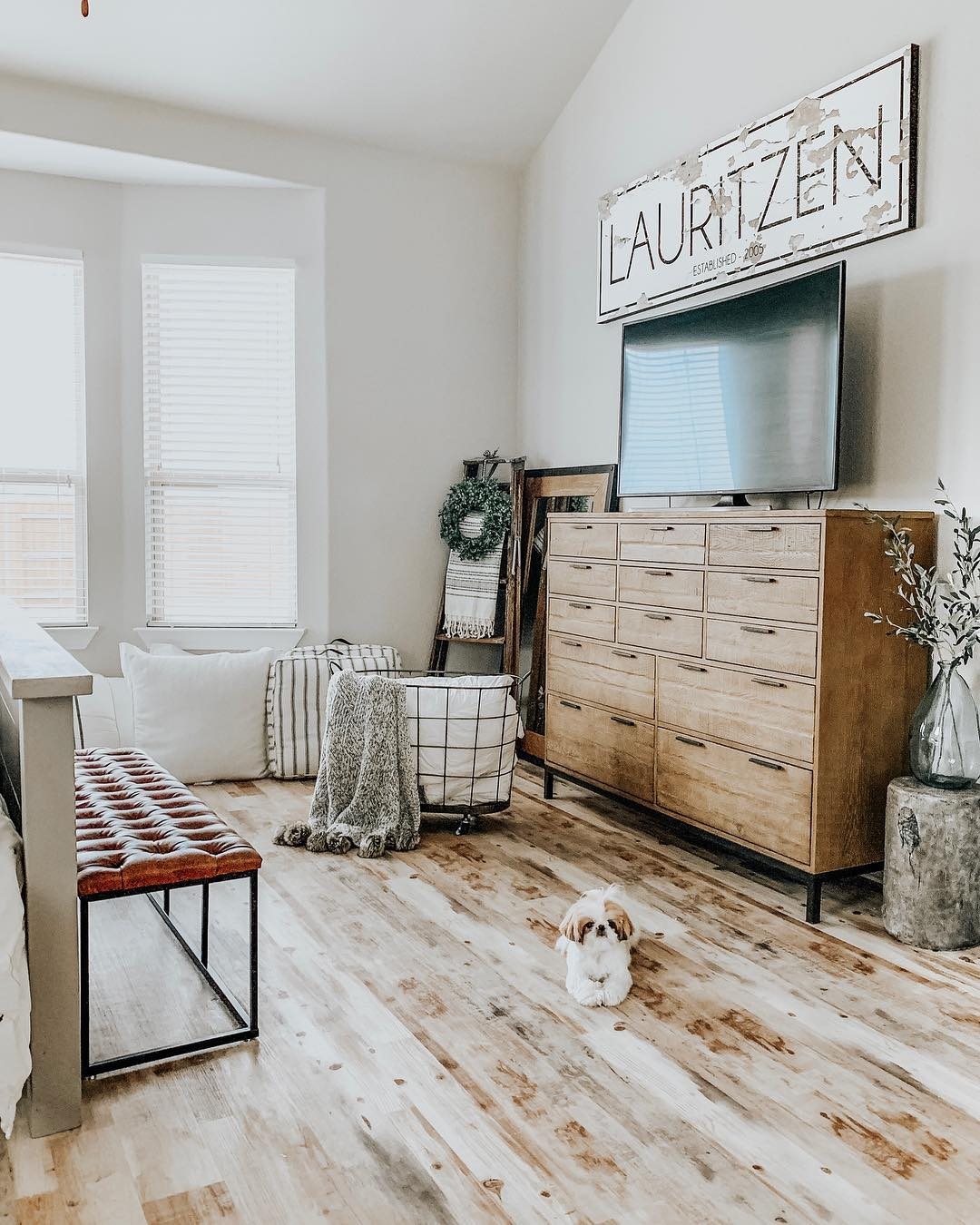 Master Bedroom by Our Faux Farmhouse Blog / @ourfauxfarmhouse