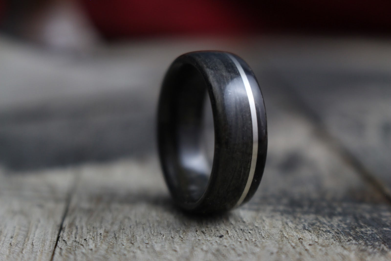 Alternative Men's Rings: Your Guide to the Materials, Styles and Shapes of Nontraditional Men's Wedding Rings