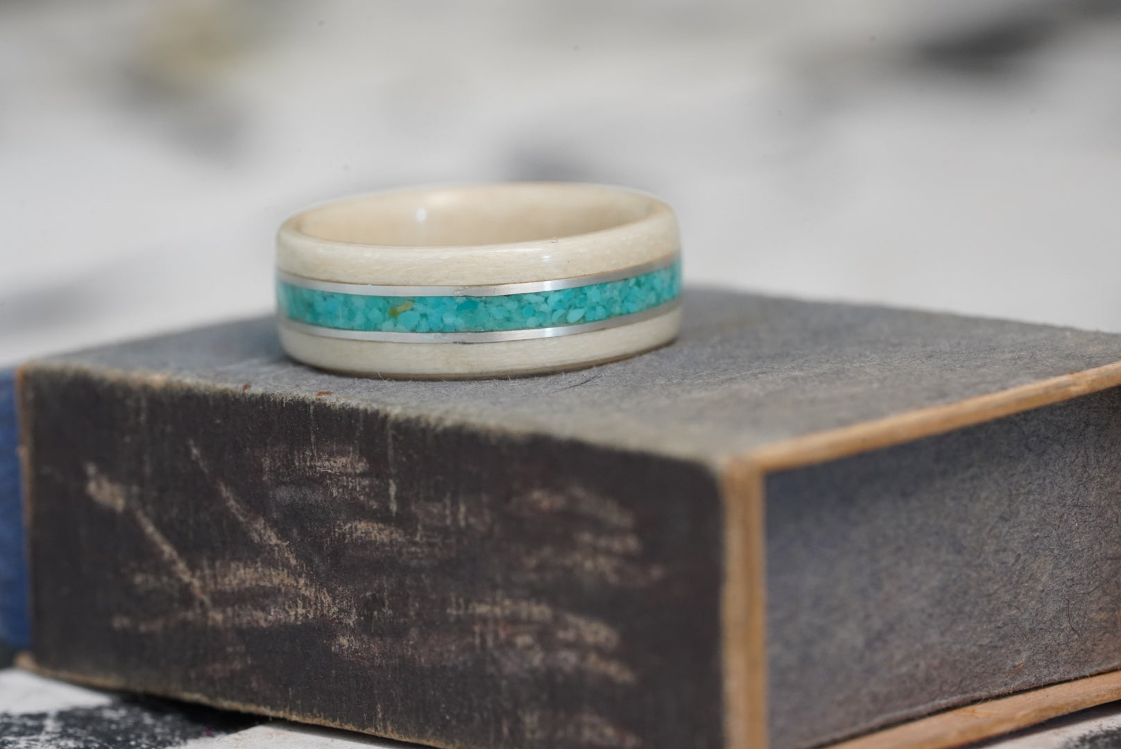 (In-Stock)  Holly Wood and Turquoise w/ Dual Sterling Silver Inlays - Size 7/7mm