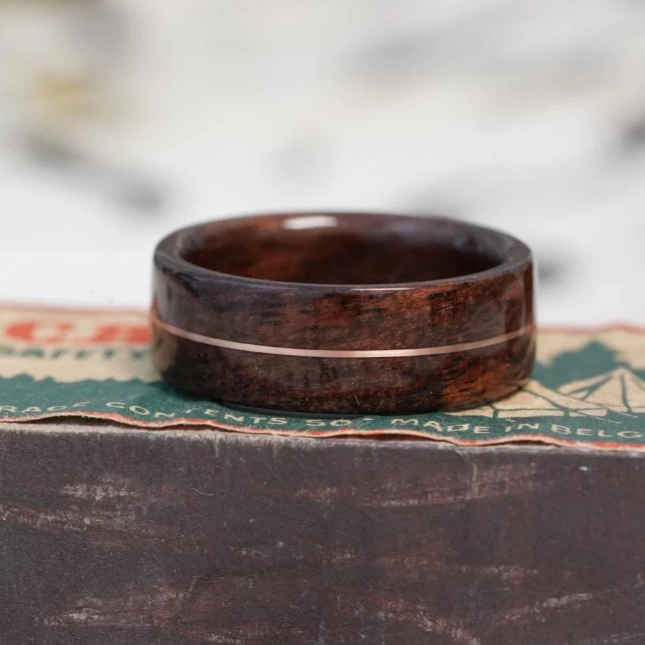 (In-Stock) Antique Walnut with Centered Bronze - Size 8/5.5 mm Wide