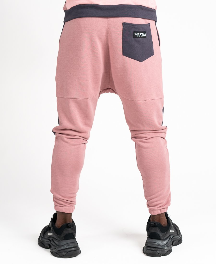 Pink trousers with grey