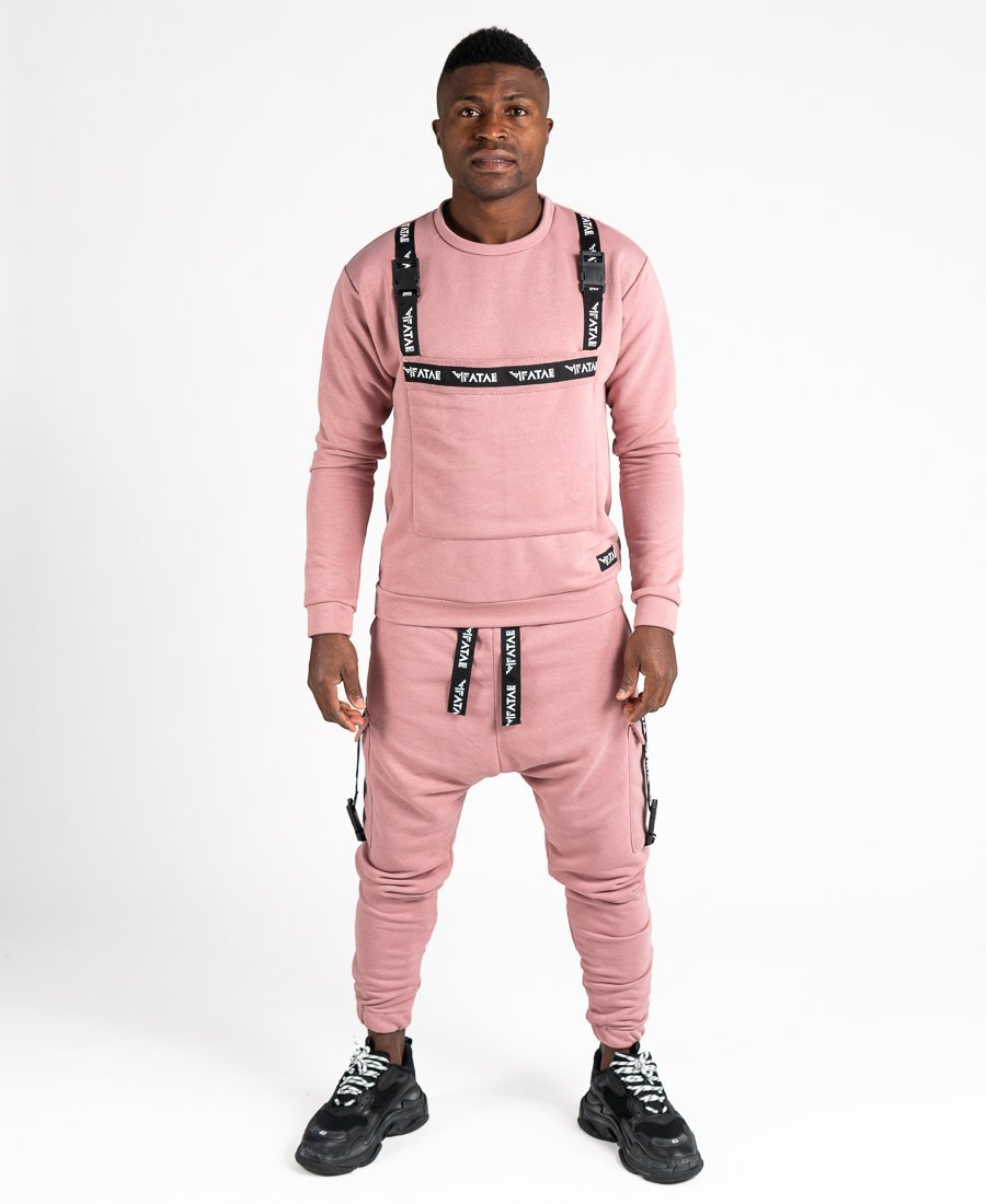 Pink tracksuit with accesories