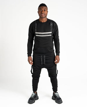 Black tracksuit with accesories