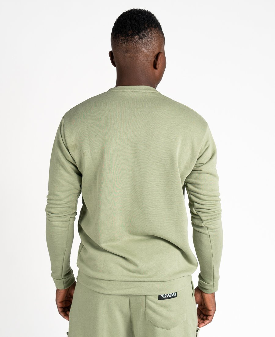 Green sweater with pockets