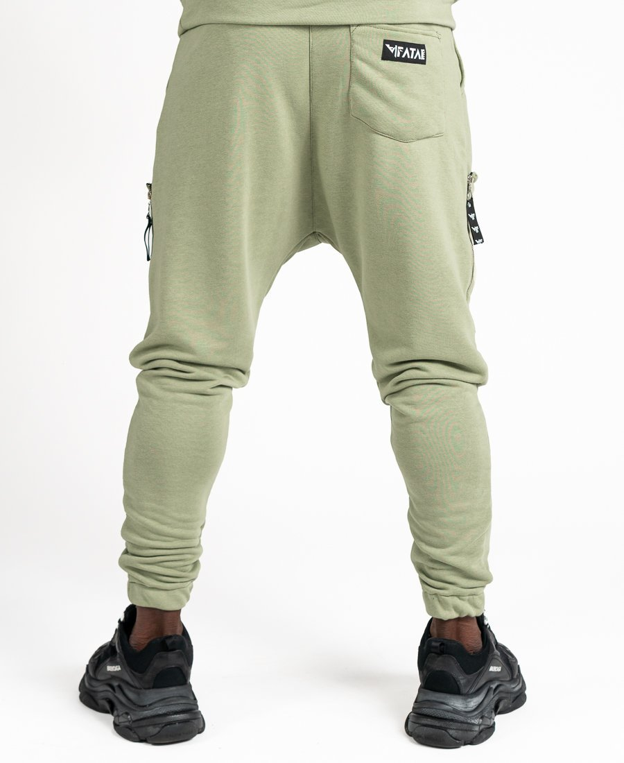 Green trousers with pockets