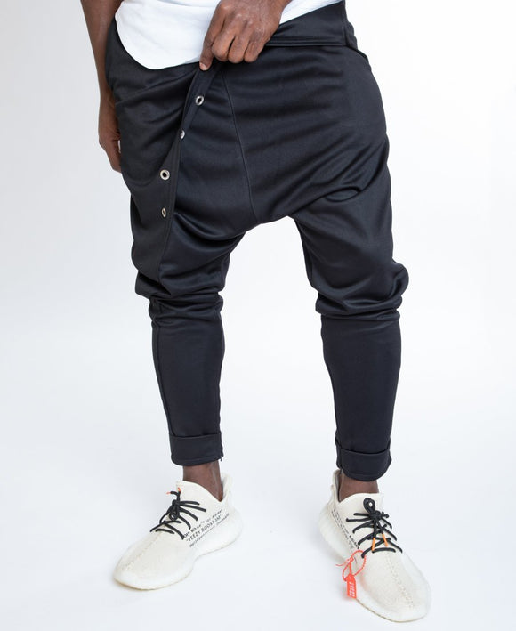 Black trousers with metal accesories - Fatai Style