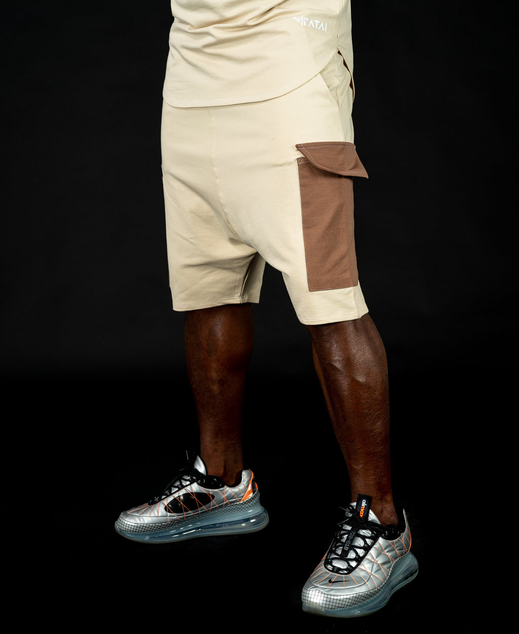 Short beige trousers with brown design - Fatai Style