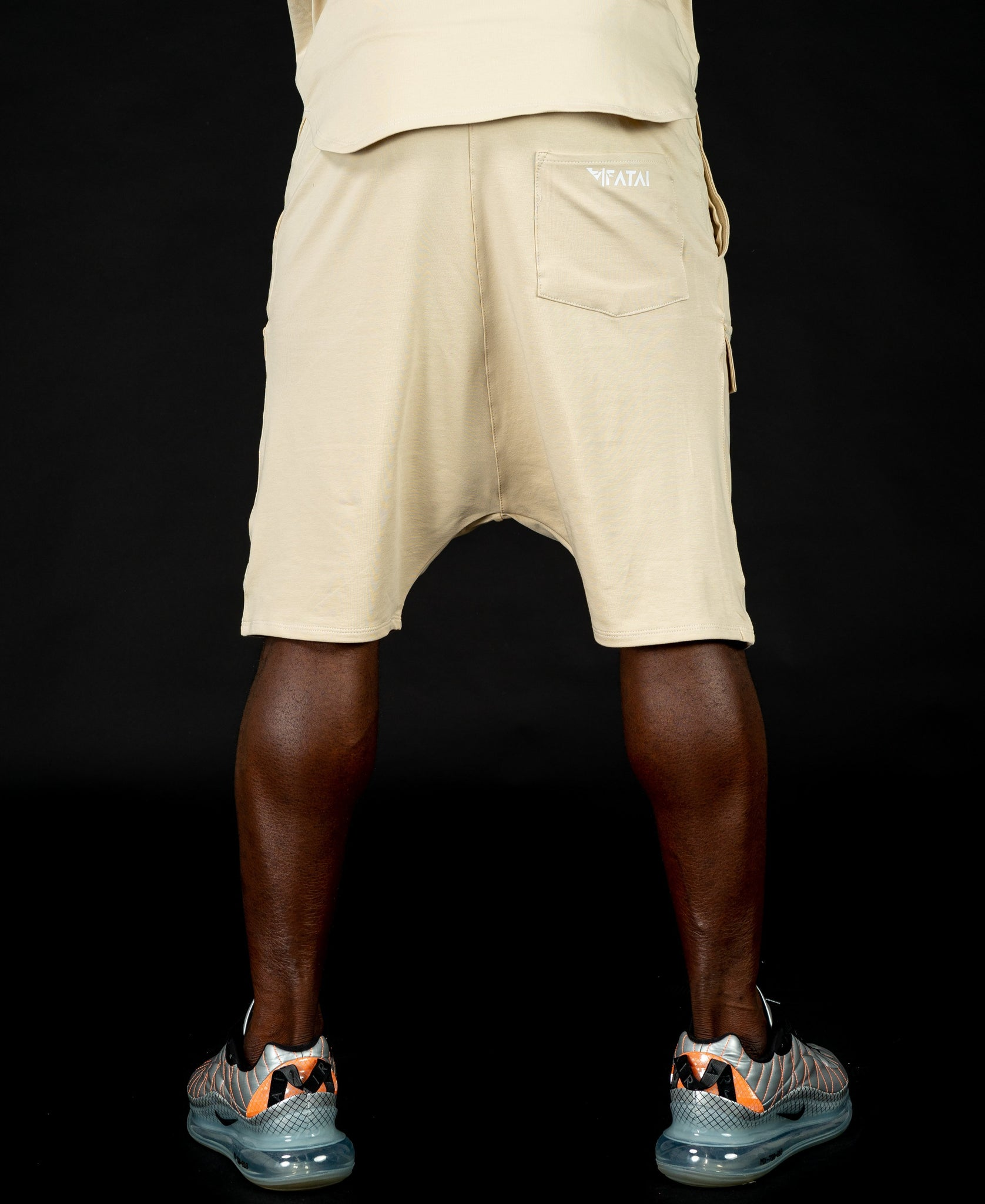 Short beige trousers with pockets - Fatai Style