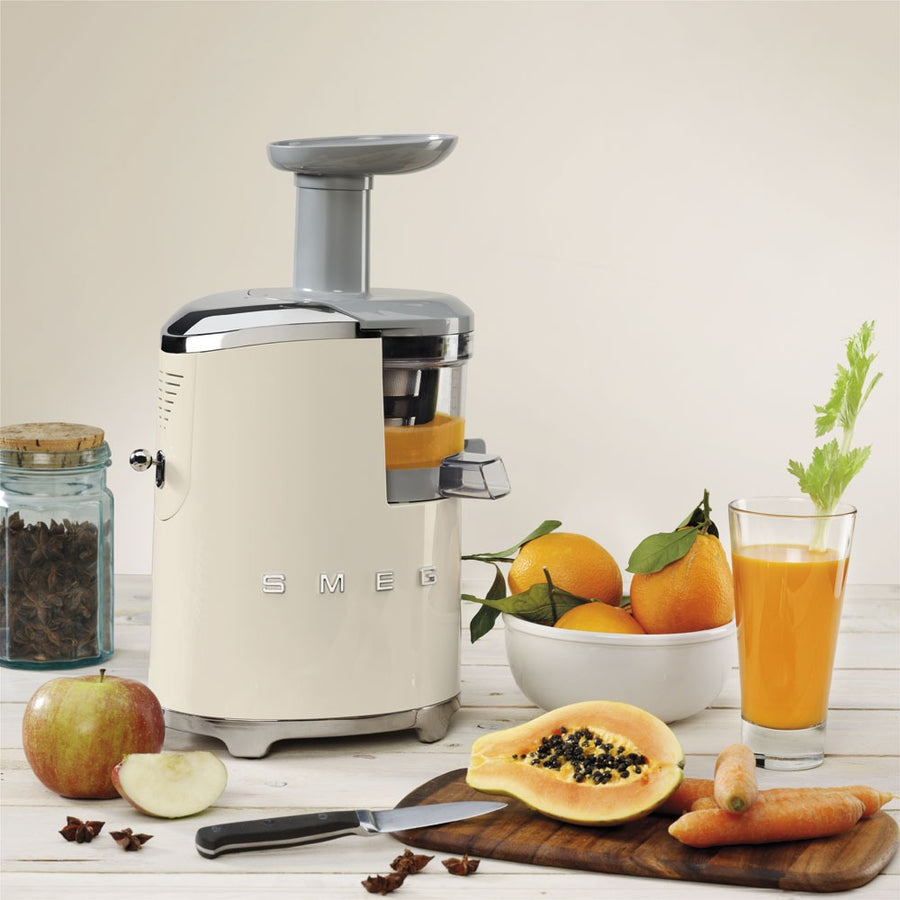 SMEG - 50's Slow Juicer, Cream