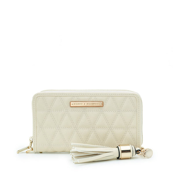 <i>the</i> QUILTED ESSENTIAL <i>cream</i>