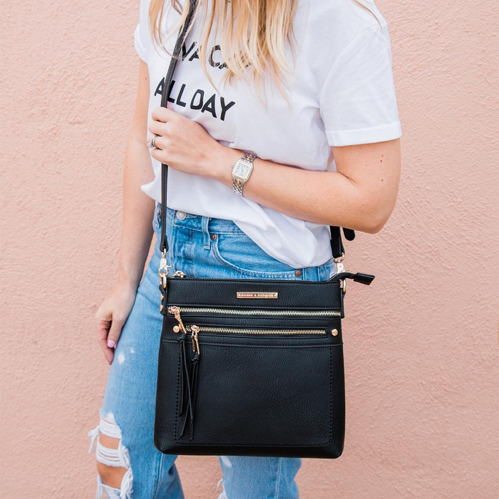 the GLOBETROTTER CROSSBODY black