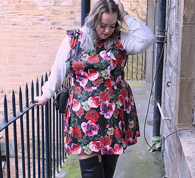 Amanda Apparel wolf & whistle simply Be floral frill dress plus size