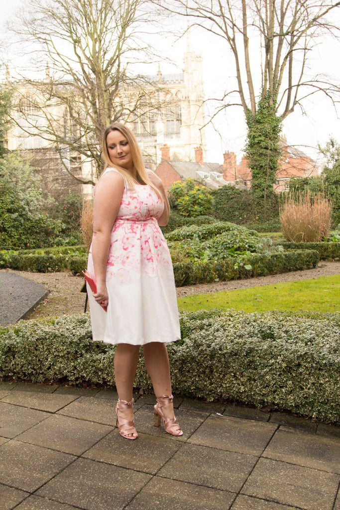 lucy loves, plus size blogger, fashion blog, wolf & whistle, street style