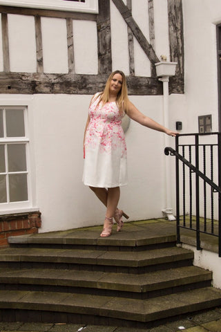 lucy loves wolf & WHISTLE PLUS SIZE BLOGGER FASHION BLOG STYLE PROM DRESS