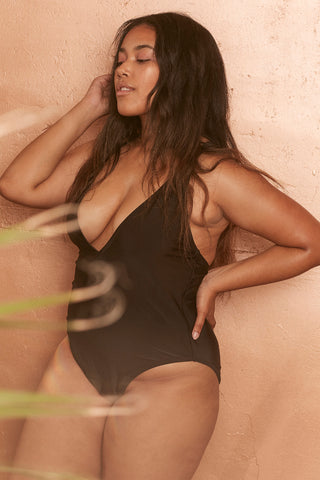 Goldie black swimsuit with removable chain curve