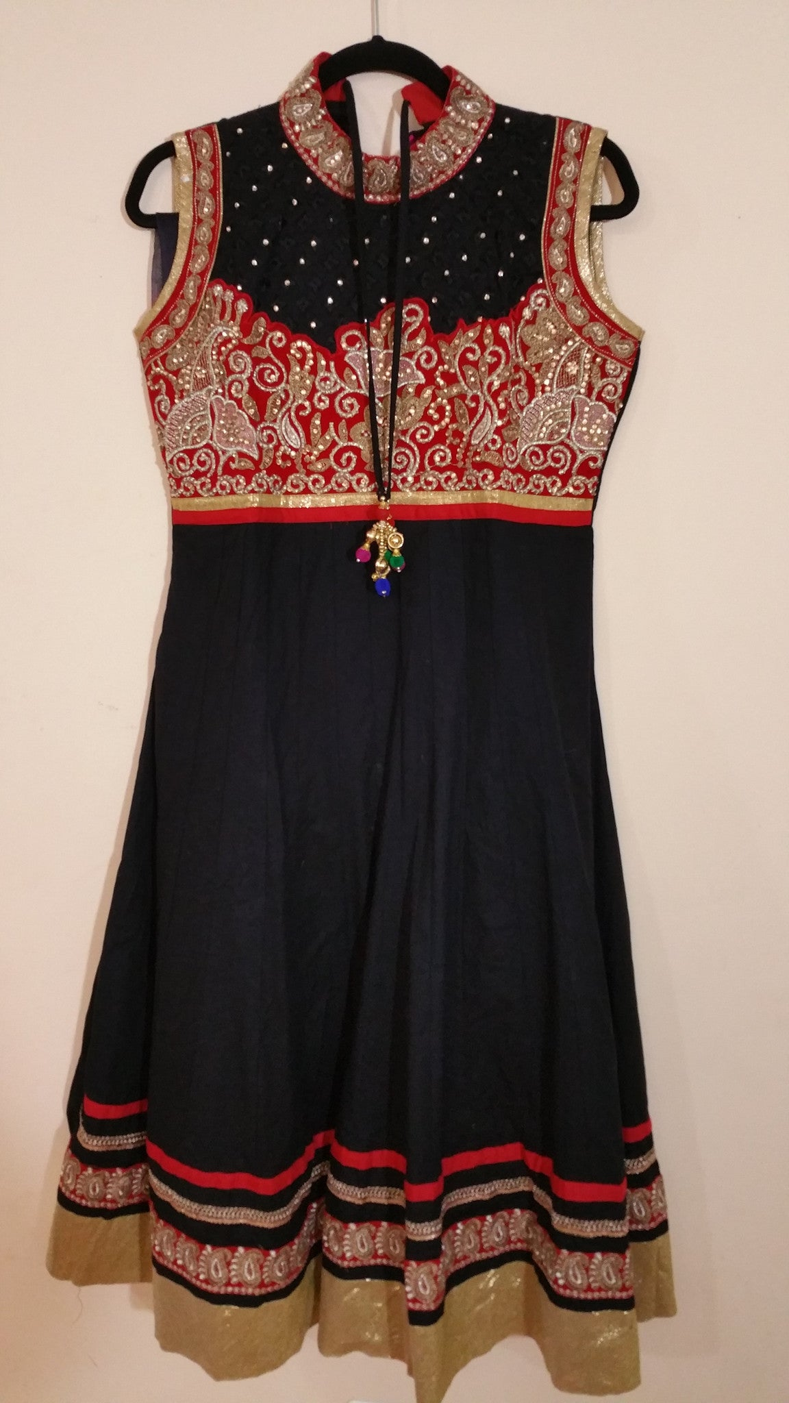Black/Red Embroidery Churidar Size: XL (301)