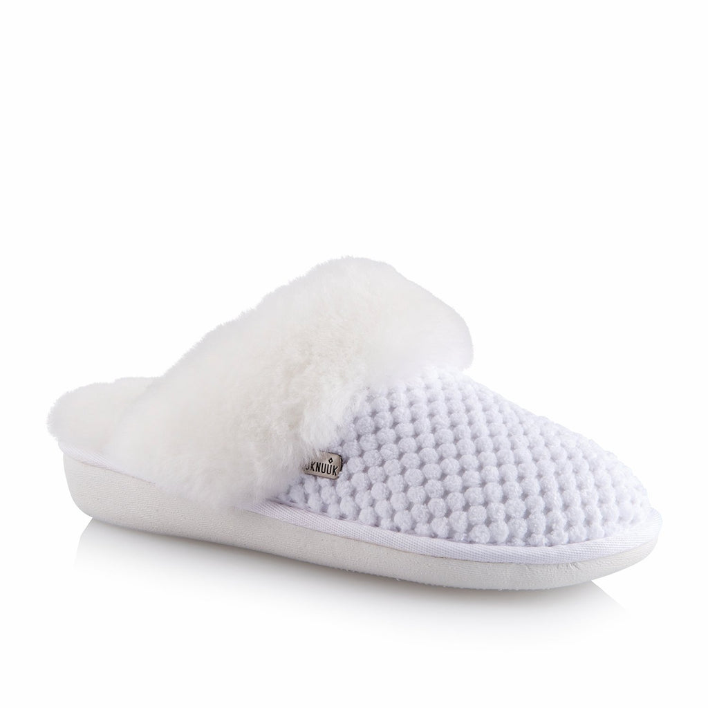 Alexa Women's Slipper (White) - Nuknuuk