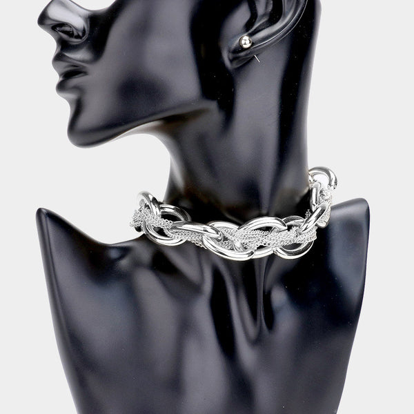 METAL CHAIN CHOKER NECKLACE.
