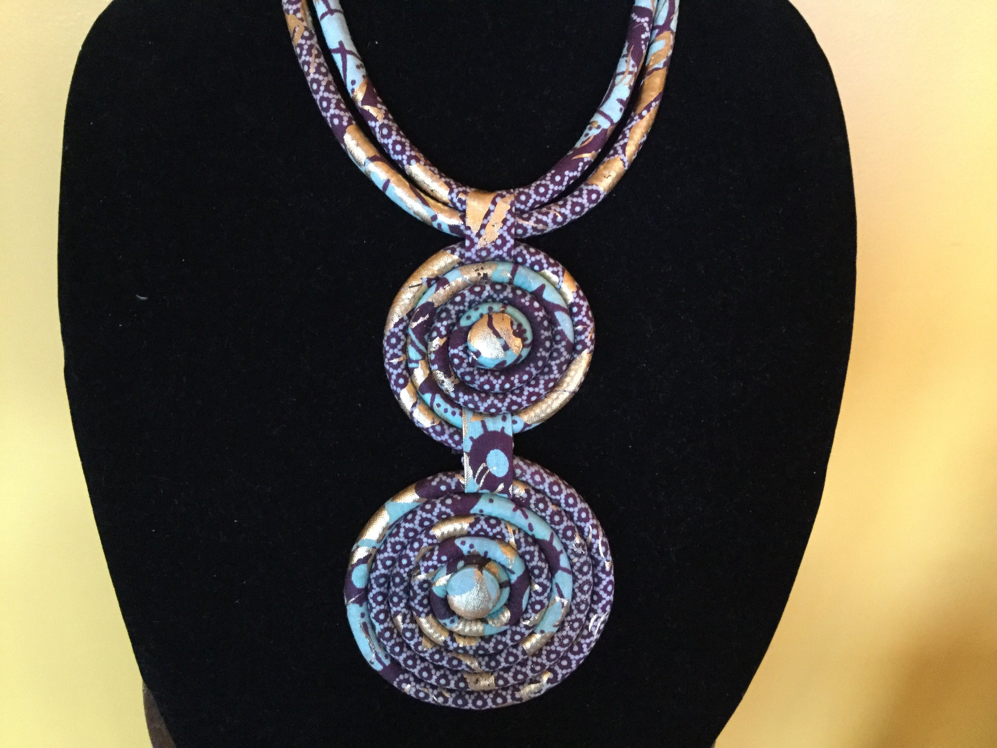 Spiral Circle Gem Fabric Necklace.