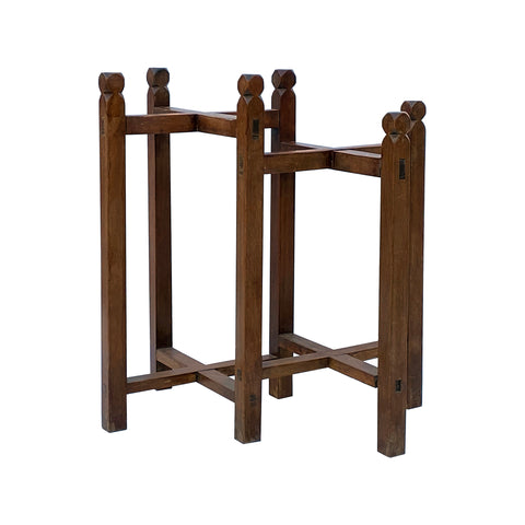 display stand - pedestal table- rustic stand