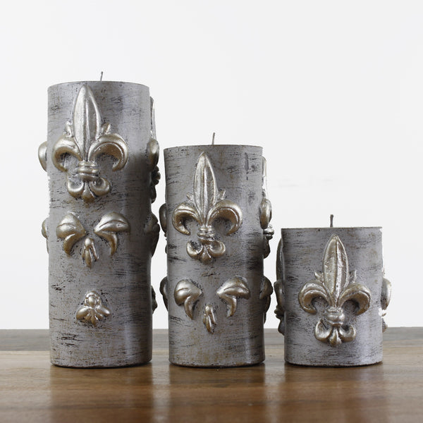 set of Grey Wash Candle With Fleur de Lis
