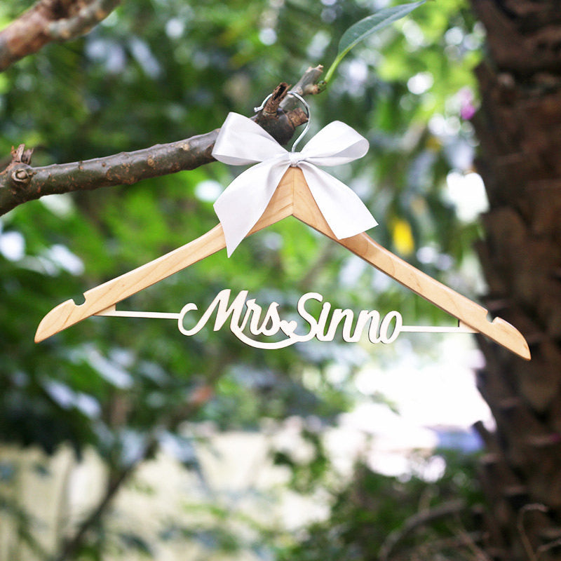 Personalized Rustic Wedding Dress Hanger Bride Wood Name Hanger, Bridesmaid gift, Bridal Shower Gift