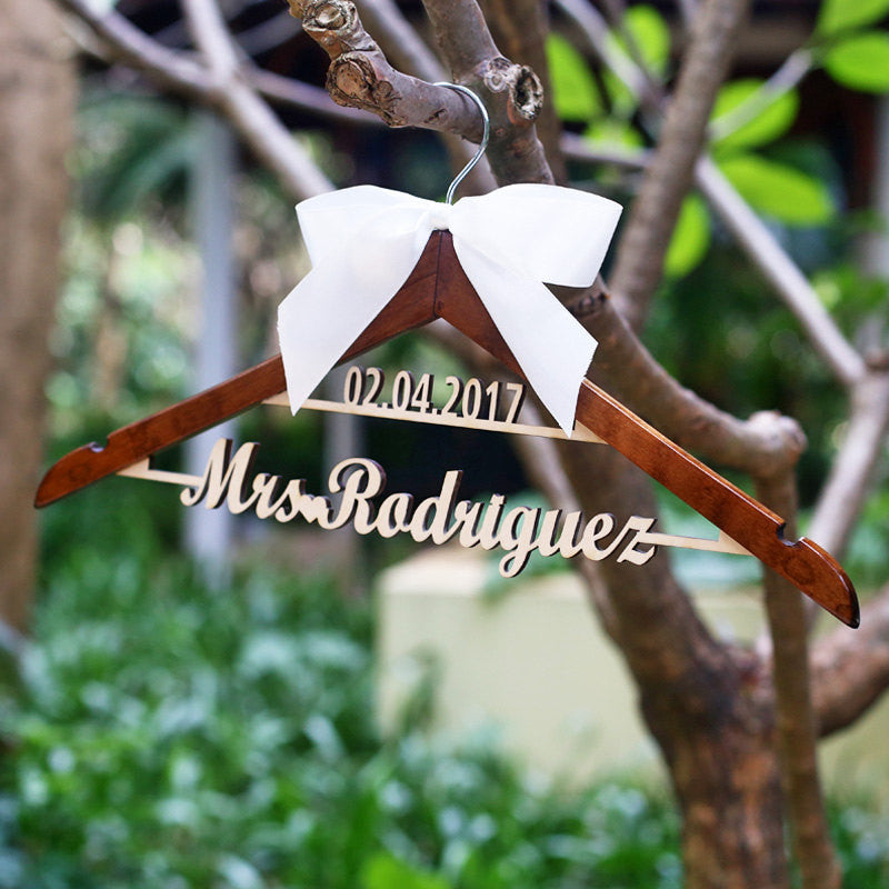 Personalized Wedding Hanger with Name,Custom name Hanger for bride bridesmaid groom, wedding Dress Hanger for Bridal Shower Gift, custom bridal dress hanger with bow