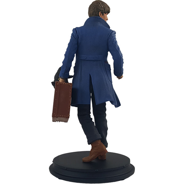 Fantastic Beasts and Where to Find Them Newt Scamander with Niffler Statue - Available 4th Quarter 2018