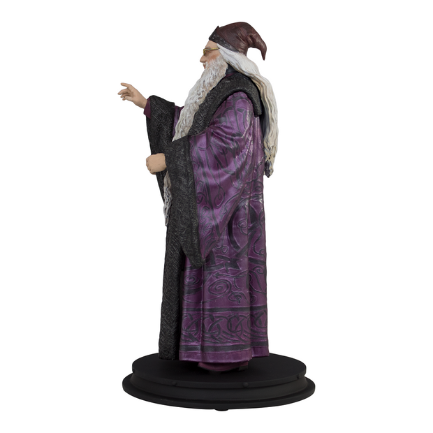 Professor Albus Dumbledore Statue - Available 1st Quarter 2020
