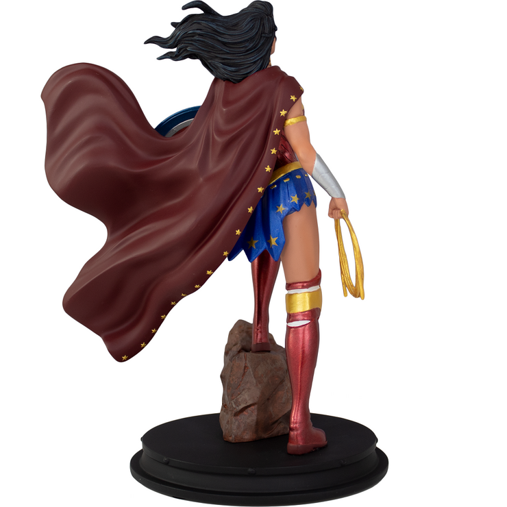 Wonder Woman Statue (GameStop Exclusive)
