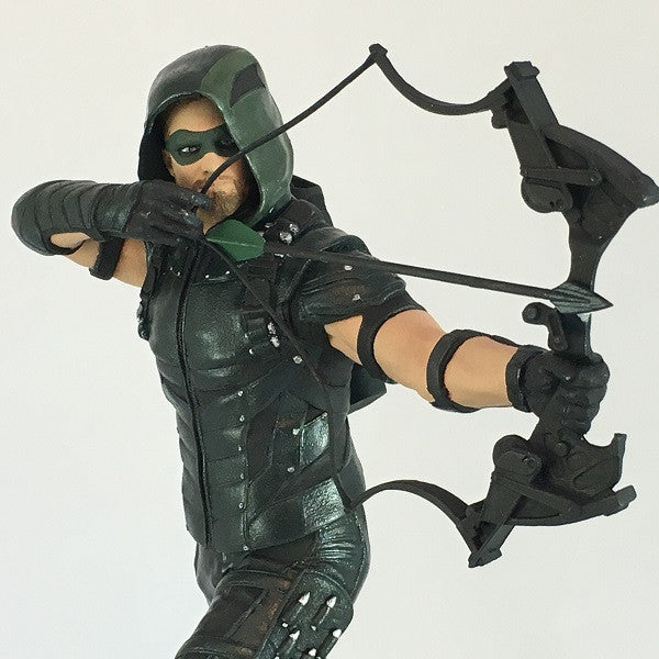 DC Comics Green Arrow TV Statue - Available March 2017