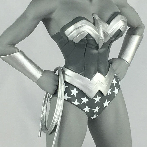 DC Comics Wonder Woman Black and White Statue Exclusive