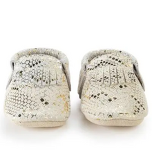 Load image into Gallery viewer, Rattlesnake Baby Moccasins
