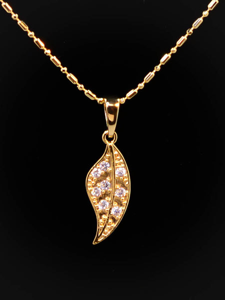 Gold Plated Leaf Pedant Necklace