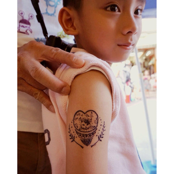Cat Heart Cartoon Tattoo Minimal Tattoo Lettering Tattoo Words Tattoo Quote Tattoo Nationality Tattoo Watercolor LAZY DUO Tattoo Sticker 香港紋身貼紙 刺青圖案 紋身師 印刷訂做客製 Custom Temporary Tattoo artist HK tattoo shop Hong Kong 迷你刺青 韓式刺青紋身 small tattoo design Minimal Tattoo little tattoo idea sketchy tattoo floral tattoo ankle wrist tattoo back tattoo Taiwan