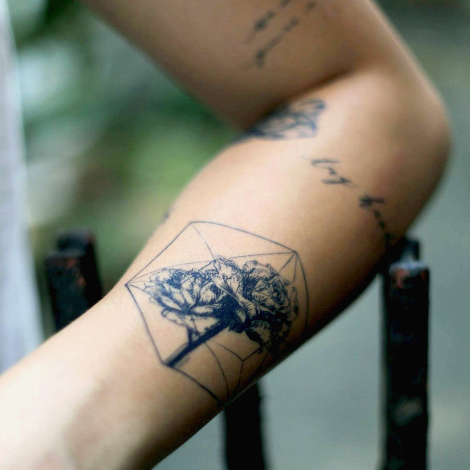 Rose & Polygon Tattoos - LAZY DUO TATTOO