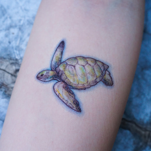 Sea Turtle Tattoo Ocean Tattoo Watercolor LAZY DUO Tattoo Sticker 香港紋身貼紙 海龜 刺青圖案 紋身師 印刷訂做客製 Custom Temporary Tattoo artist HK tattoo shop Hong Kong 迷你刺青 韓式刺青紋身 small tattoo design Minimal Tattoo little tattoo idea sketchy tattoo floral tattoo ankle wrist tattoo back tattoo Taiwan