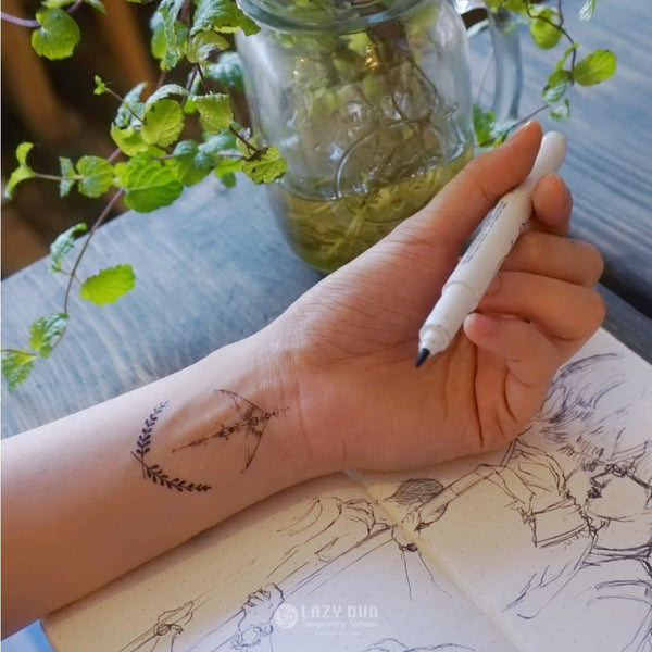 Arrow Tattoo Moon Tattoo Deer Tattoo Watercolor Tattoo LAZY DUO Tattoo Sticker 香港紋身貼紙 刺青圖案 紋身師 印刷訂做客製 Custom Temporary Tattoo artist HK tattoo shop Hong Kong 迷你刺青 韓式刺青紋身 small tattoo design Minimal Tattoo little tattoo idea sketchy tattoo floral tattoo ankle wrist tattoo back tattoo Taiwan