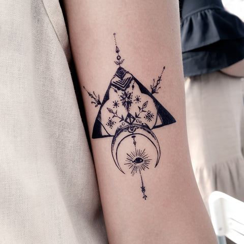 Hipster Tribal Arrow Tattoo Moon Mystery Eye Boho Tattoo Bohemian Tattoo Alchemist Spiritual Tattoo Delicate Tattoo LAZY DUO Tattoo Sticker 香港紋身貼紙 刺青圖案 紋身師 印刷訂做客製 Custom Temporary Tattoo artist HK tattoo shop Hong Kong 迷你刺青 韓式刺青紋身 small tattoo design Minimal Tattoo little tattoo idea sketchy tattoo floral tattoo ankle wrist tattoo back tattoo Taiwan