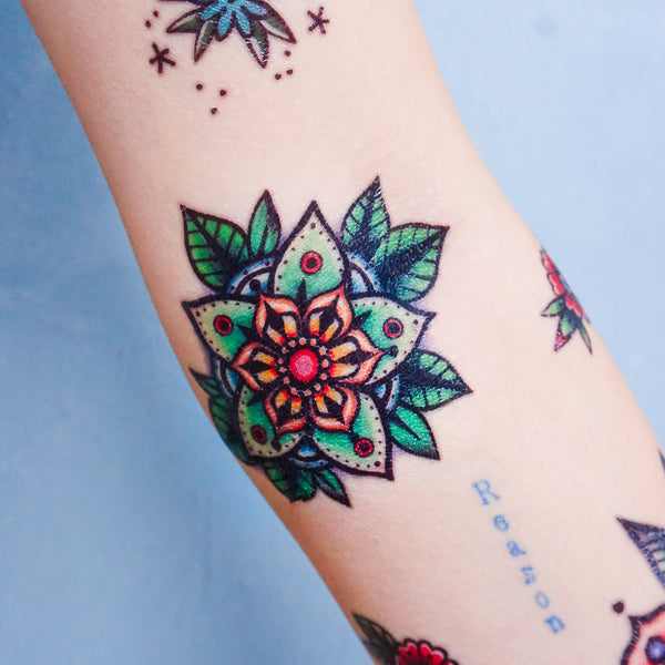 LAZY DUO Old School Tattoo Cat Tattoo Floral Tattoo Rose Tattoo American Tattoo Neon Tattoo Metallic Tattoo Realistic Long-lasting Safe Temporary Tattoo Sticker HK Hong Kong 紋身貼紙 刺青