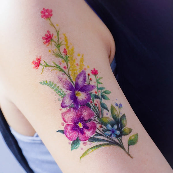 Delicate Floral Tattoo Watercolor Flower Tattoo LAZY DUOTemporary TattooLittle Tattoo Small Tattoo Rose Tattoo Sticker Fineline HK Hong Kong 刺青紋身貼紙 香港刺青圖案  印刷訂做客製 Custom Temporary Tattoo artist HK tattoo shop Hong Kong 迷你刺青 韓式刺青紋身 small tattoo design Minimal Tattoo little tattoo idea sketchy tattoo floral tattoo ankle wrist tattoo back tattoo Taiwan