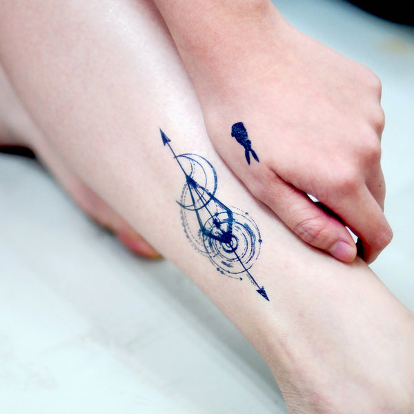 Spiritual Spiral Geometry Tattoo Minimal Tattoo LAZY DUO Tattoo Sticker 香港紋身貼紙 刺青圖案 紋身師 印刷訂做客製 Custom Temporary Tattoo artist HK tattoo shop Hong Kong 迷你刺青 韓式刺青紋身 small tattoo design Minimal Tattoo little tattoo idea sketchy tattoo floral tattoo ankle wrist tattoo back tattoo TaiwanSp