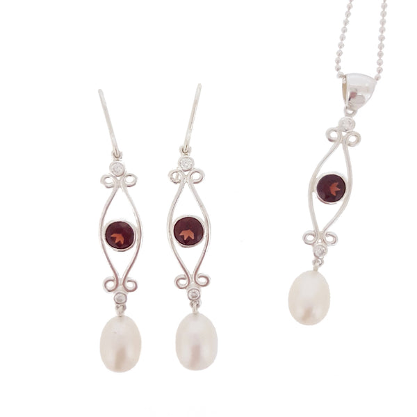 Garnet & Pearl Pendant 'Classic Beauty' - The Courthouse Collection