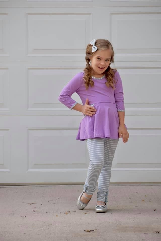 Gray & White Stripe Ruffle Button Leggings