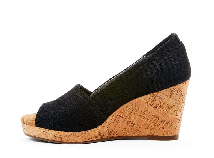 "[""rioja Chelsee girl black "", "" gender-womens type-shoes style-dress""]"