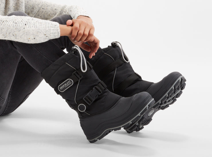 "[""Windstorm Boys Snowblast black & silver "", "" gender-boys type-junior style-winter boots""]"