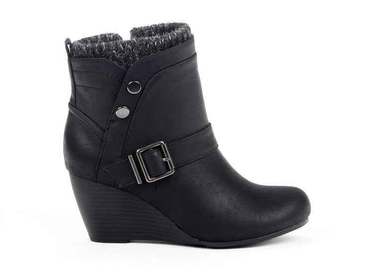"[""Exiled Chelsee Girl black "", "" gender-womens type-winter boots style-casual""]"